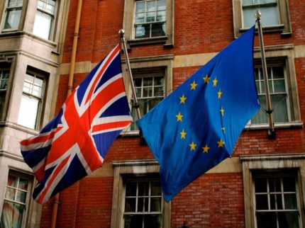 Union_Jack_and_the_european_flag 4x3